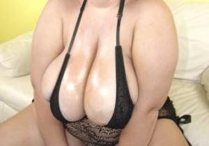 Gina - dickes camgirl mit riesen titten